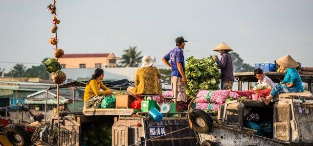 Mercado flotante en Can Tho, Viietnam