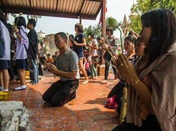 Vestimenta apropiada para templo, Ayutthaya, Tailandia
