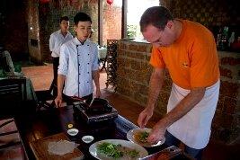 Aprender a cocinar tomando clases de cocina vietnamita en Hoi An