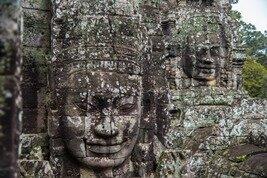 Estatua de piedra en los templos de Angkor en Camboya