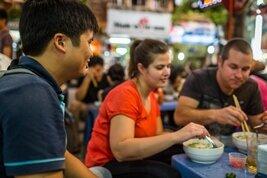 Comida y gastronomía de calle en Hanoi, Vietnam